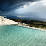 Pamukkale e suas piscinas termais de origem calcária (Turquia). #malainquieta…