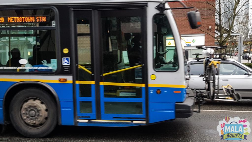 Ônibus levando a bicicleta | FOTO: Renata Luppi