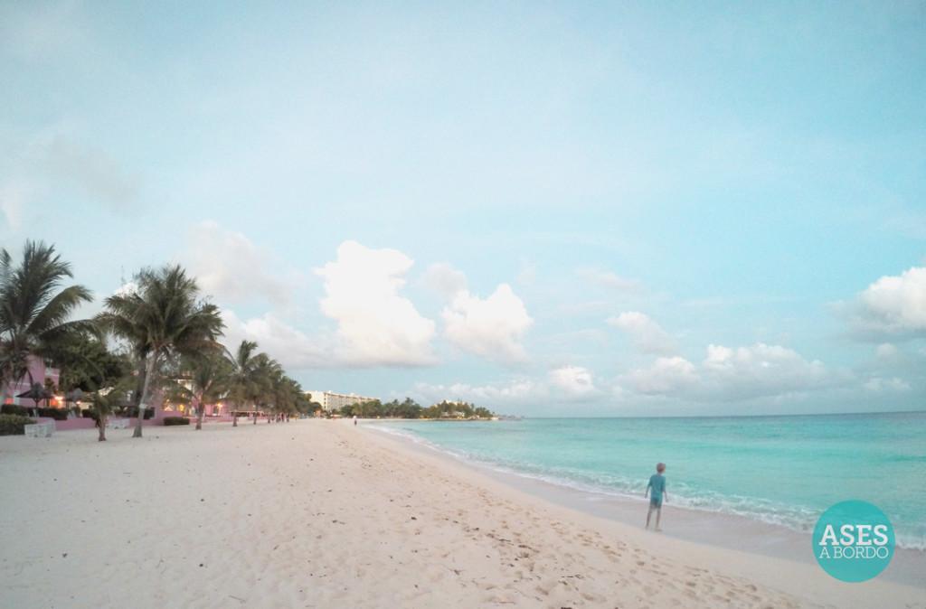 Praia do Divi Southwinds Barbados - Foto: Ases a Bordo