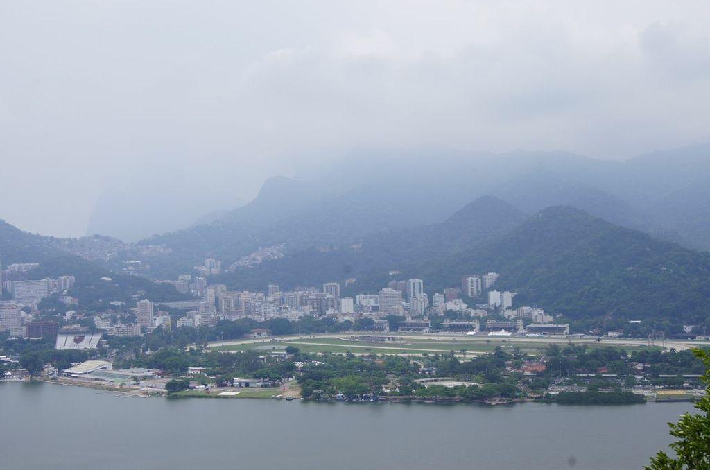 Vista do Morro do Urubu - Uma pena o dia estar nublado.