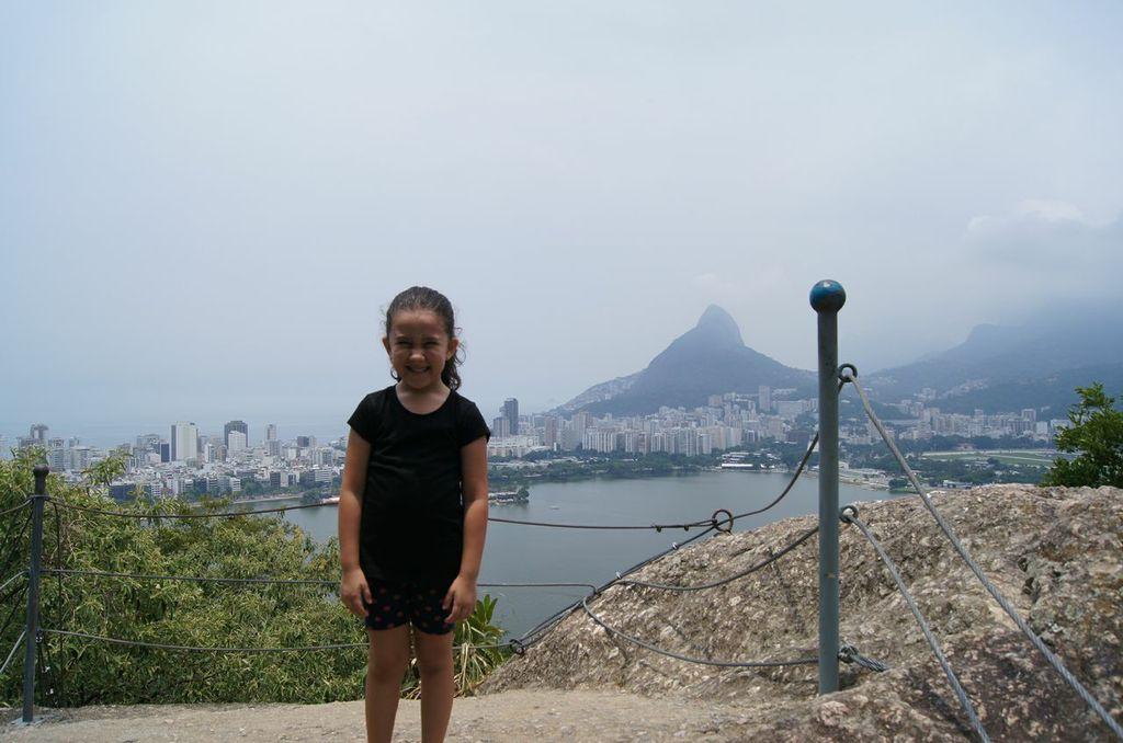 Morro do Urubu - Filhota subiu com facilidade !