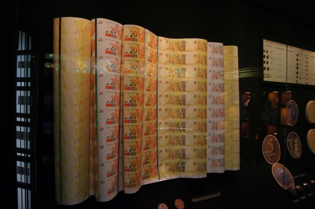 Etapas da fabricação da nota de R$20,00