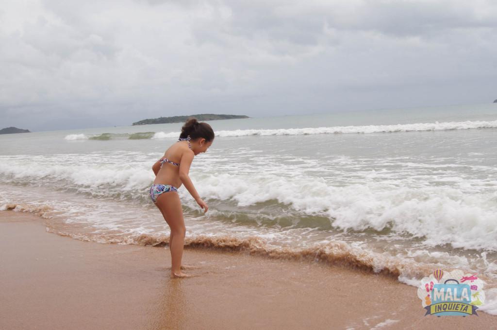 PraiaRasa_FilhaBrincando
