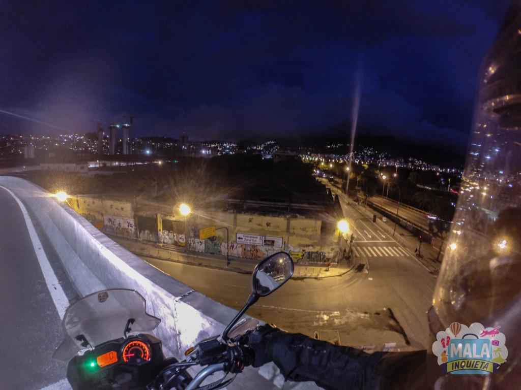 Alça de acesso à Via Binário, com visão para a Avenida Francisco Bicalho - Centro