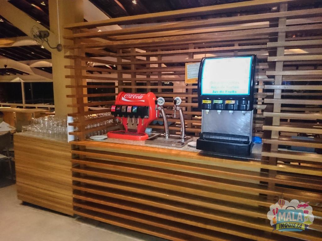 Restaurante Principal - Uma das máquinas de refrigerante, chopp e suco que ficam espalhadas pelo salão