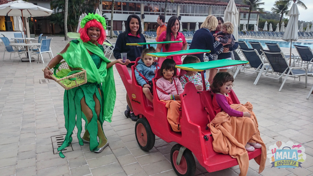 Carrinho para as crianças circularem pelo Village