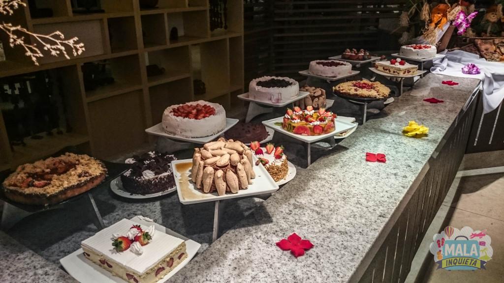 Restaurante Principal - Parte das sobremesas de um dos jantares