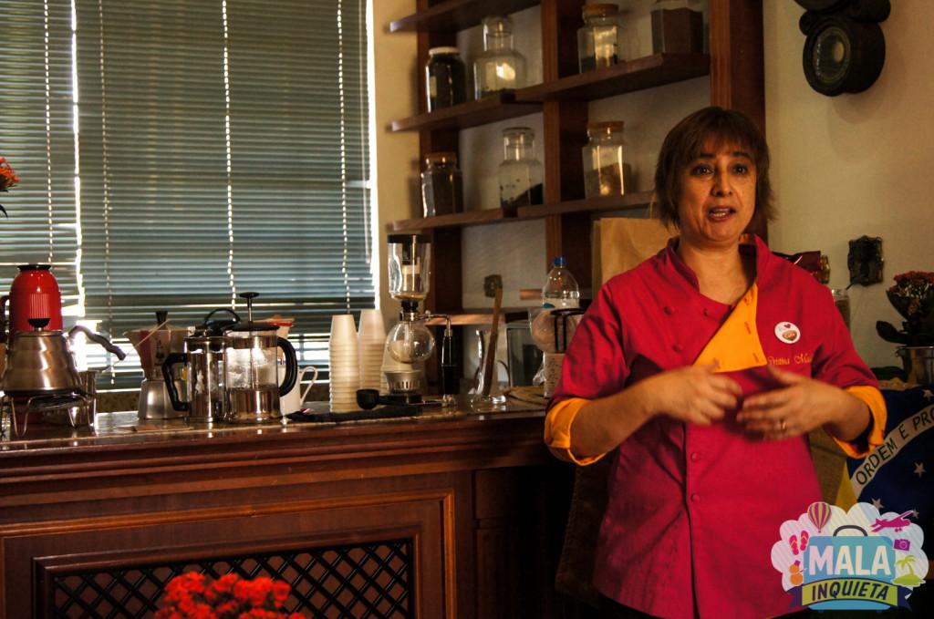 Cristina e suas muitas cafeteiras