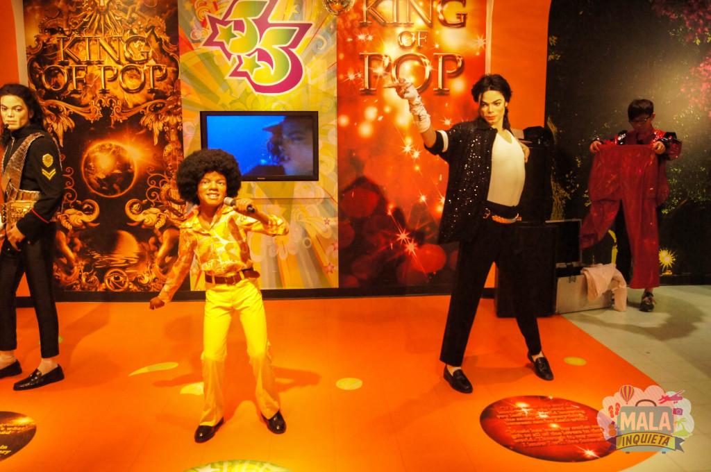 Michael Jackson em duas fases de sua vida