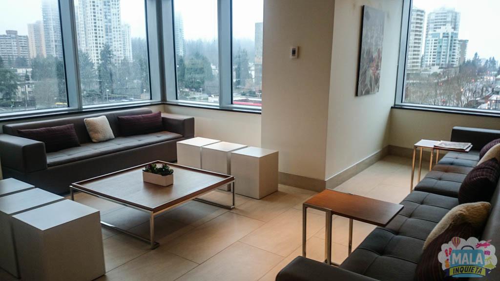 Lounge ao lado do café da manhã