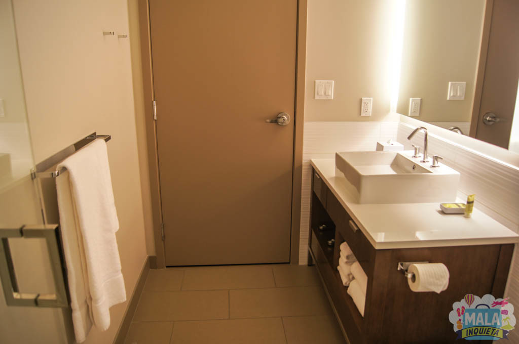 Outra vista o banheiro