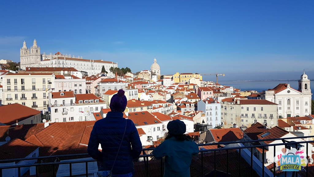 Miradouro das Portas do Sol - Lisboa | Foto: Claudia Bins