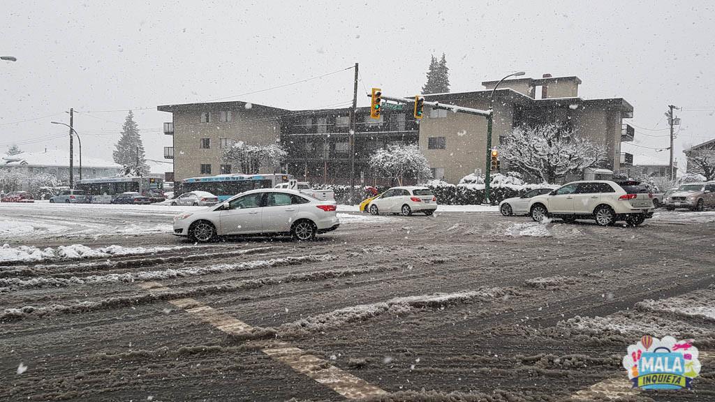 Ruas com o gelo começando a derreter... uma meleca só ! Foto: Renata Luppi