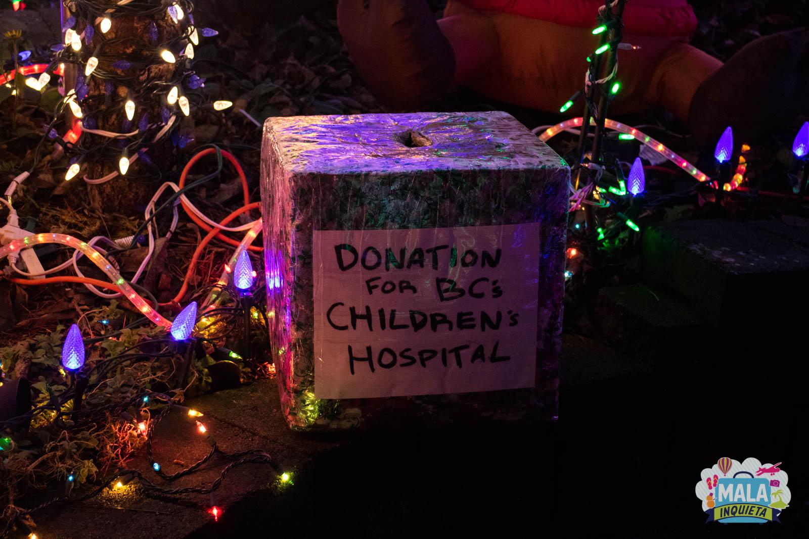 Caixa para doações na 6369 165A Street - Surrey   Foto: Renata Luppi