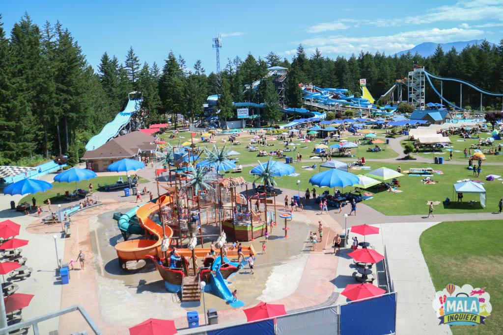 Vista do Cultus Lake Water Park